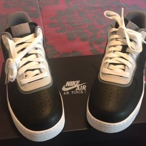 Brand new in box Air Force 1's. Men 9.5  Wo 11